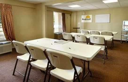 Conference room DAYS INN LOUISVILLE AIRPORT KY