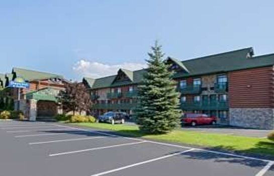 Außenansicht DAYS INN AND SUITES MACKINAW C