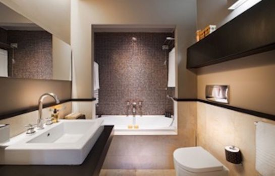 Bathroom Charming House DD724