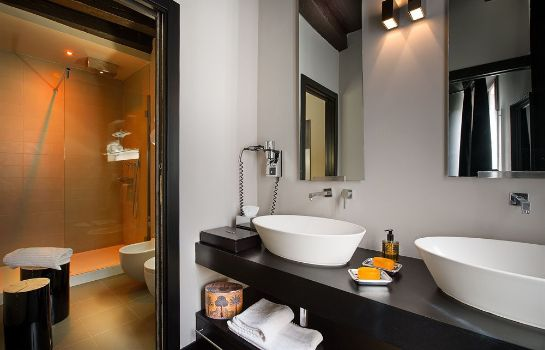Bagno in camera Charming House DD724