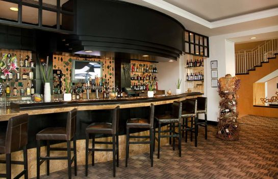 Bar del hotel GALLERYone - a DoubleTree Suites by Hilton Hotel