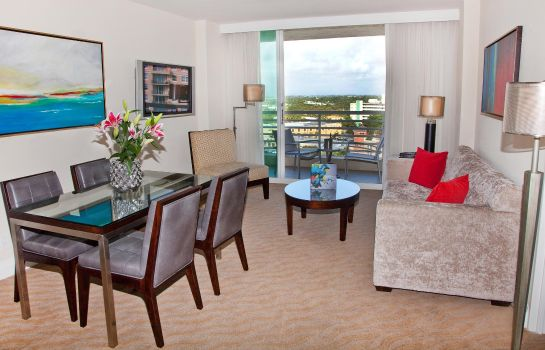 Suite GALLERYone - a DoubleTree Suites by Hil