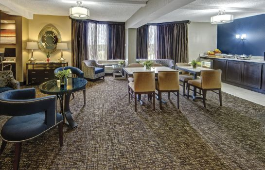 Hotel bar DoubleTree by Hilton Hotel Memphis