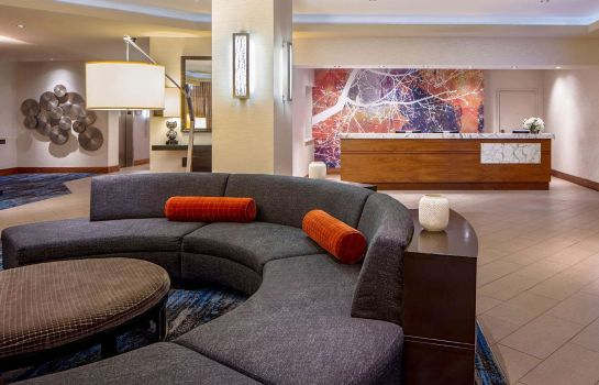 Hall DoubleTree Suites by Hilton Minneapolis