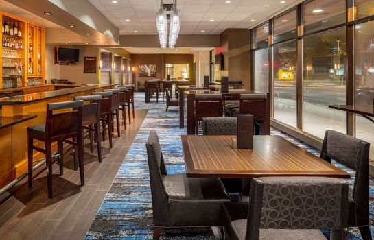 Restaurant DoubleTree Suites by Hilton Minneapolis