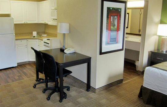 Zimmer Extended Stay America Maitland
