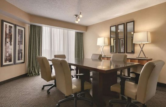 Zimmer Embassy Suites by Hilton Birmingham