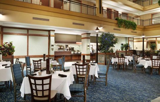 Restaurant Embassy Suites by Hilton Denver International Airport