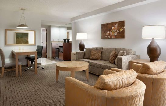 Zimmer Embassy Suites by Hilton Denver International Airport