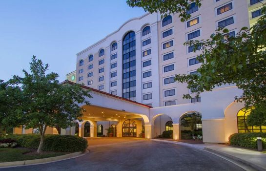 Buitenaanzicht Embassy Suites by Hilton Greenville Golf Resort - Conf Ctr