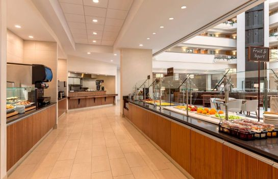 Restaurant Embassy Suites by Hilton Greenville Golf Resort - Conf Ctr