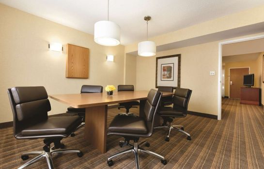 Kamers Embassy Suites by Hilton Greenville Golf Resort - Conf Ctr