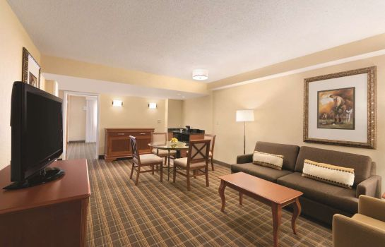 Zimmer Embassy Suites by Hilton Greenville Golf Resort - Conf Ctr