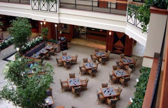 Restaurant Embassy Suites by Hilton Louisville East