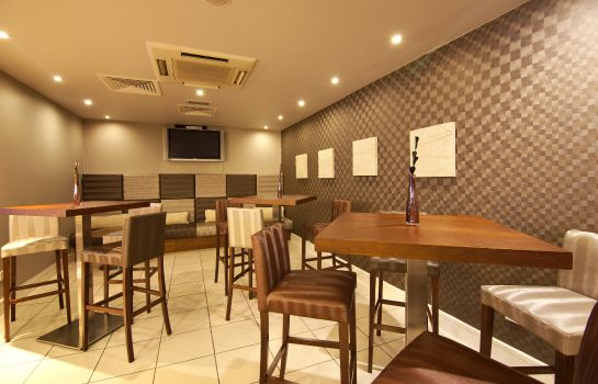 Bar del hotel Holiday Inn Express LONDON - CROYDON