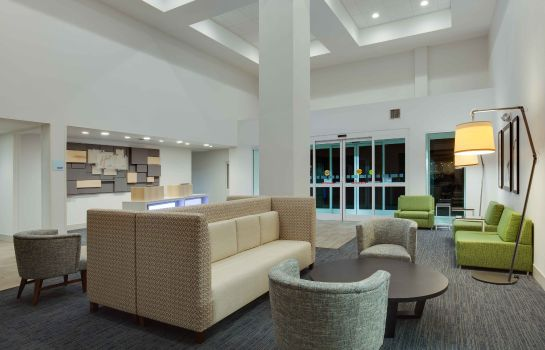 Vestíbulo del hotel Holiday Inn Express & Suites ORLANDO INTERNATIONAL AIRPORT
