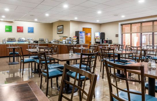 Restaurant Comfort Inn & Suites Airport-American Way