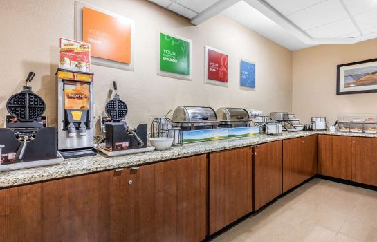 Restaurant Comfort Inn and Suites Airport-American