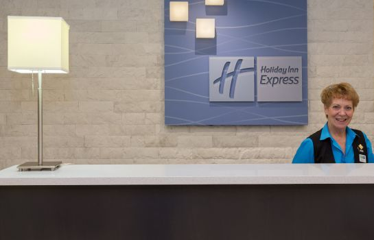 Hotelhalle Holiday Inn Express & Suites TAMPA-I-75 @ BRUCE B. DOWNS