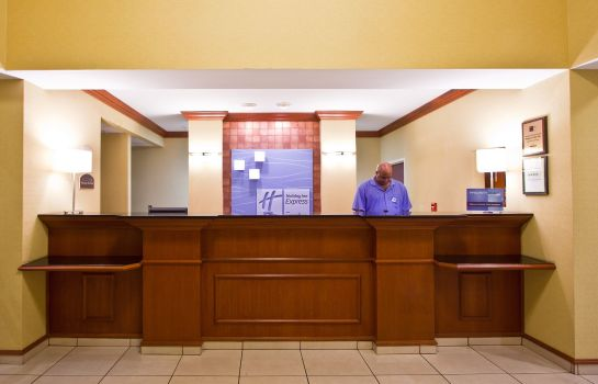 Hotelhalle Holiday Inn Express & Suites TAMPA-FAIRGROUNDS-CASINO