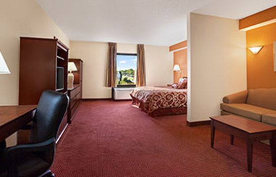 Suite DAYS INN SUITES CEDAR RAPIDS
