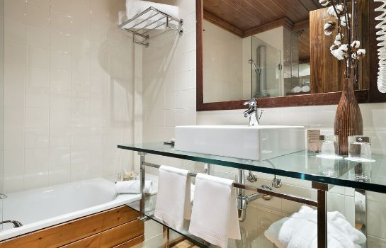 Bagno in camera Rafaelhoteles by La Pleta
