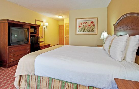 Room Ramada Columbus Highway 45