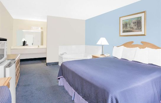 Suite HOWARD JOHNSON STAUNTON