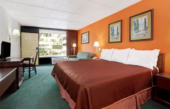 Suite HOWARD JOHNSON CLEARWATER FL