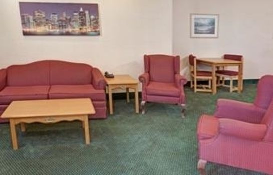 Suite Howard Johnson Inn and Suites Elk Grove Village O'Hare