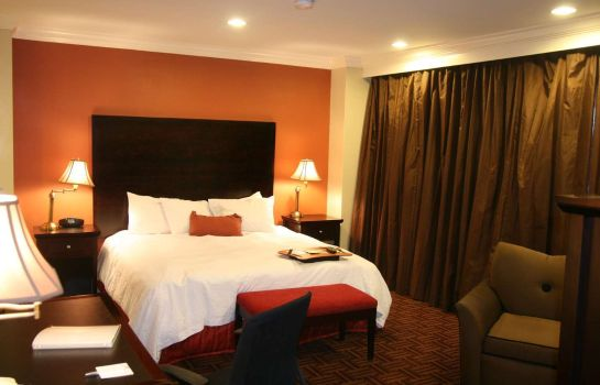 Room Hampton Inn - Suites Stamford