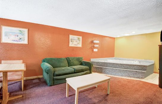 Suite KNIGHTS INN INDIANAPOLIS EAST