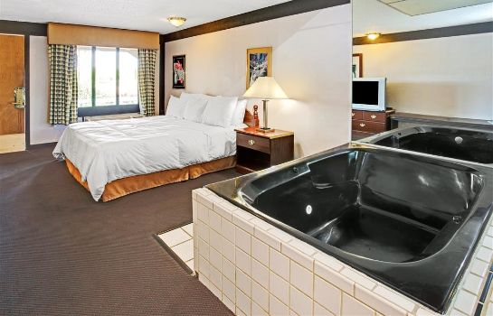 Suite KNIGHTS INN INDIANAPOLIS AIRPO