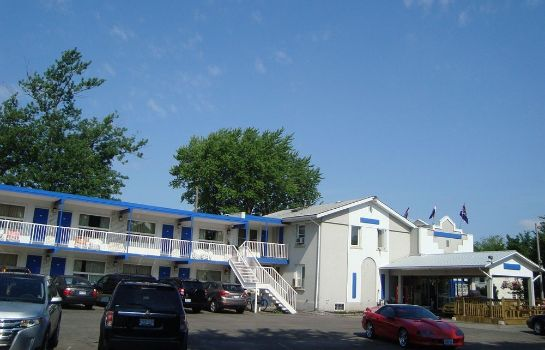 Exterior view Canadas Best Value Inn-Niagara Falls