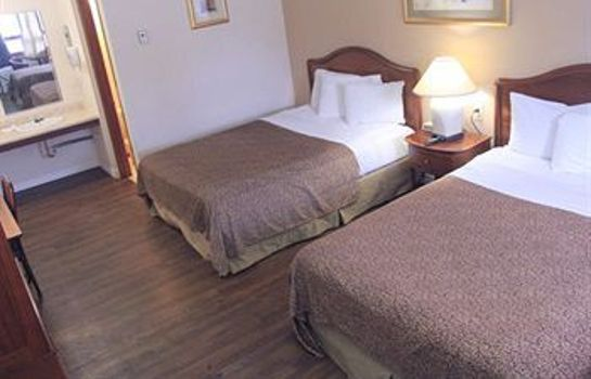 Standard room Canadas Best Value Inn-Niagara Falls