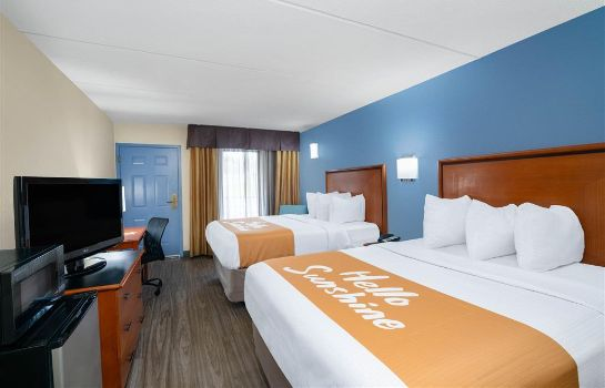 Room Days Inn by Wyndham Knoxville North Days Inn by Wyndham Knoxville North