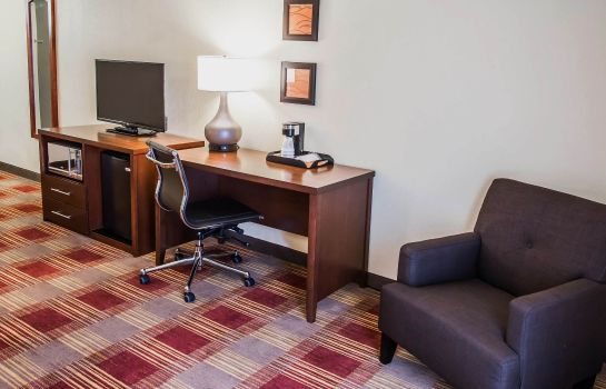 Zimmer Clarion Inn & Suites Savannah Midtown