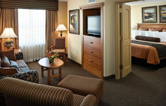 Suite CLUBHOUSE HOTEL SUITES SIOUX FALLS