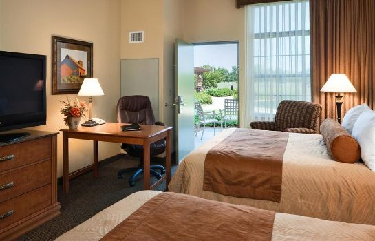 Zimmer CLUBHOUSE HOTEL SUITES SIOUX FALLS