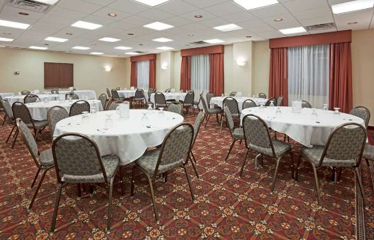 Conference room La Quinta Inn Ste Madison American Ctr