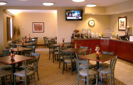 Hol hotelowy La Quinta Inn and Suites Louisville Airport and Expo