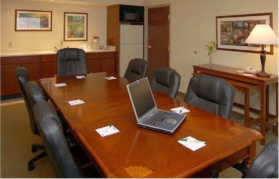 Conference room La Quinta Inn Ste Airport Expo