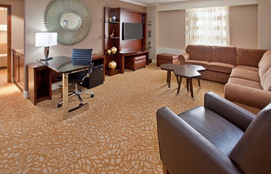 Suite The Lincoln Marriott Cornhusker Hotel