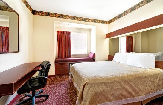 Suite DAYS INN & SUITES NORTH DALLAS