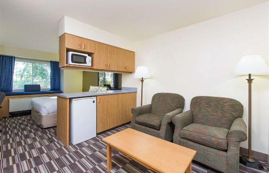 Suite Microtel Anchorage Airport