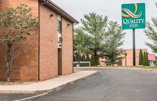 Außenansicht Quality Inn Grand Rapids North