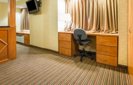 Suite Quality Inn & Suites North/Polaris
