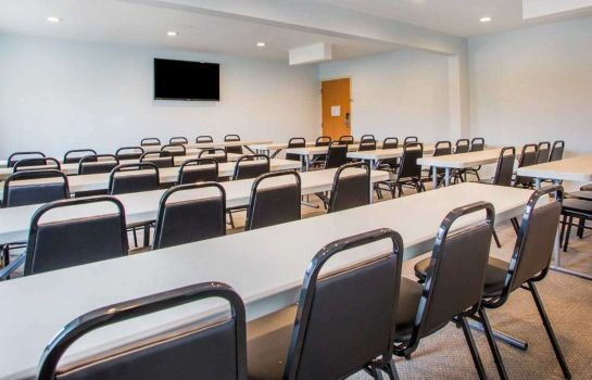 Conference room Quality Inn & Suites North/Polaris