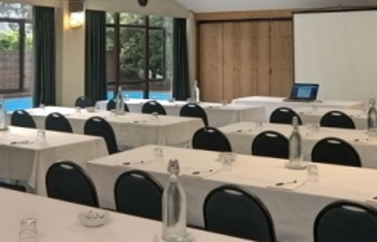 Conference room KINGSGATE HOTEL PARNELL