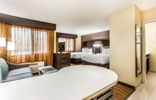 Zimmer MainStay Suites Greenville Airport